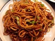 青椒肉丝炒面怎么做好吃 青椒肉丝炒面