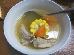 冬瓜玉米排骨汤的做法。