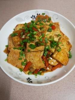 鲢鱼焖豆腐的做法_美食方法