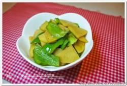 东北家常菜——西红柿青椒土豆片