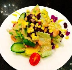 千岛酱鸡蛋蔬菜沙拉