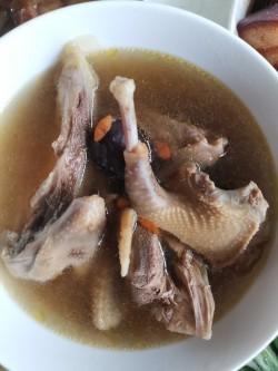 清炖百合莲子鸽子汤