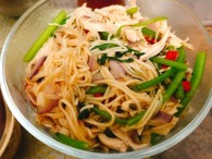 杂菜炒面条的做法_美食方法